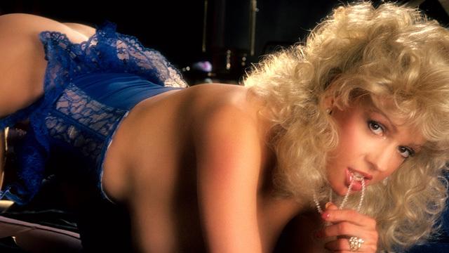 nude Morganna kissing bandit